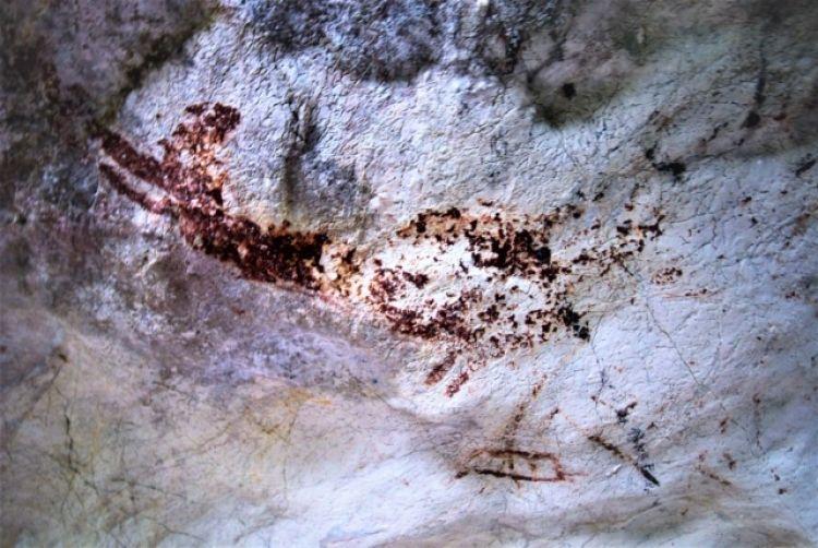 พบภาพเขียนสียุคโบราณ และกระดูกมนุษย์ในถ้ำที่กระบี่