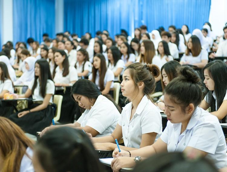 ม.อ.พร้อมช่วยนักศึกษาจากผลกระทบโควิด-19 ย้ำทุกคนต้องจบการศึกษา