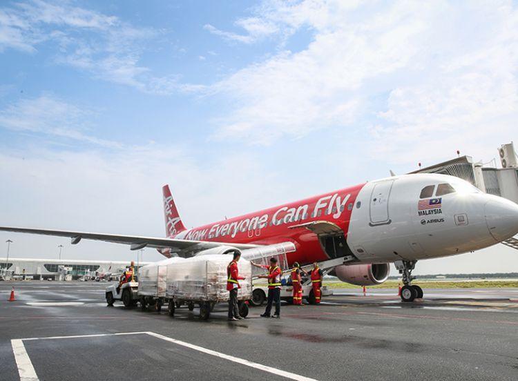 แอร์เอเชีย เทเลพอร์ต เสริมแกร่งศักยภาพด้วยเครื่องบิน 737-800 และ A320
