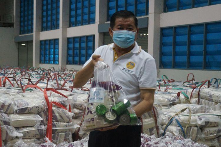 มท.เร่งแพ็คถุงยังชีพ 50,000 ถุง   ช่วยจังหวัดชายแดนใต้สู้ภัยโควิด-19