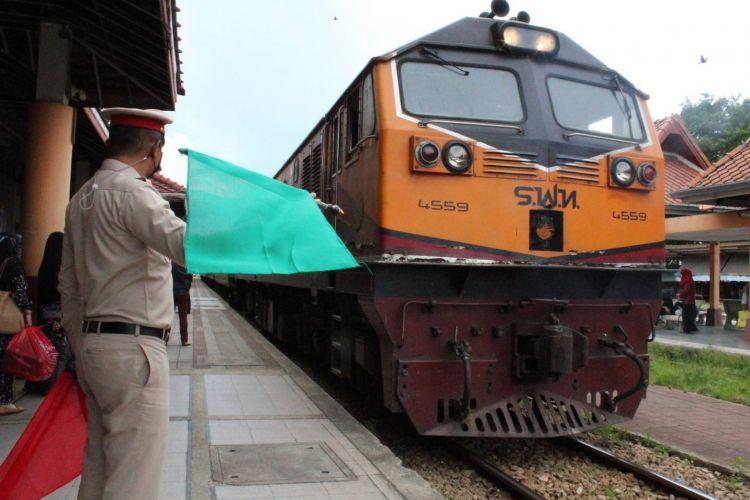 รถไฟยะลา เงียบคนไม่เดินทางกลับรายอ-กลัวโควิด -19