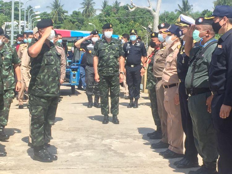 แม่ทัพ 4 ตรวจชายแดนไทย-มาเลย์ ย้ำป้องกันเข้มแรงงานลอบเข้าเมือง